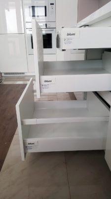 Кухонный гарнитур на заказ в Новосибирске